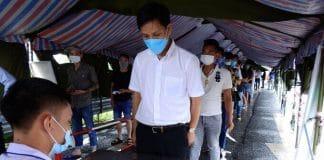 Một điểm khai báo y tế tại chốt kiểm soát cầu Bạch Đằng, Quảng Ninh. Ảnh: Minh Cương - WikiLand