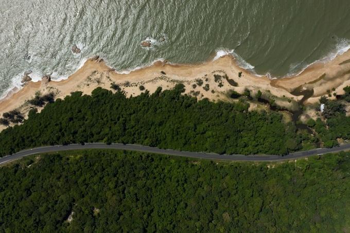 Hồ Tràm có vẻ đẹp thiên nhiên nguyên sơ, hệ sinh thái rừng biển nối liền. Ảnh: Hữu Khoa - WikiLand  Giá trị của biệt thự đồi giáp biển tại Hồ Tràm image003 1693 1631098934
